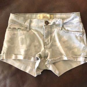 😊 5/$20 Hollister Short-Shorts Sz 00